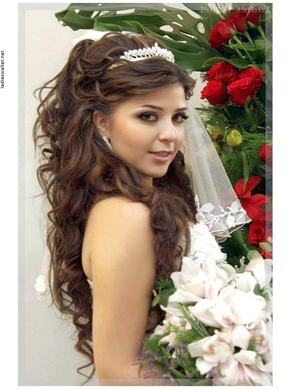 frisuren mit diadem offen und lockig google suche hochzeit pinterest hair inspiration. Black Bedroom Furniture Sets. Home Design Ideas