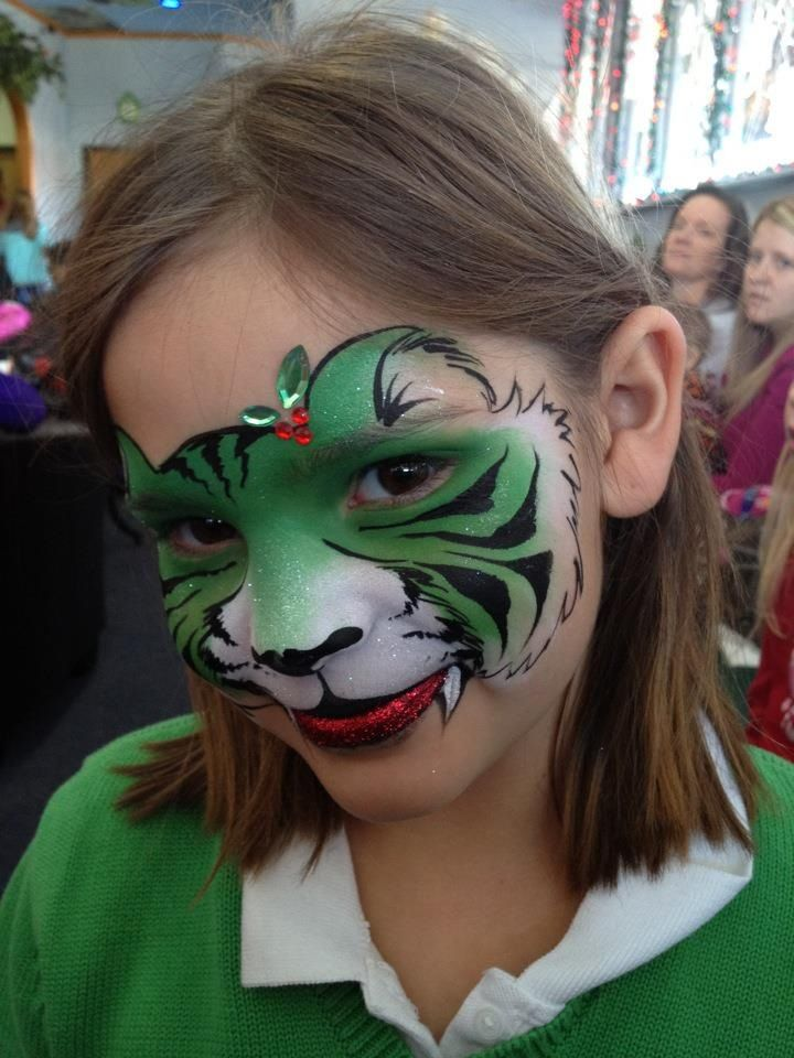 AmaDazzle Arts (Christina Kerr Davidson) || winter/holiday tiger