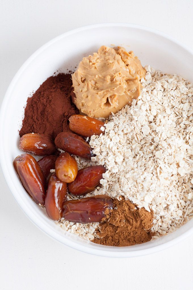 Super leckere No Bake Peanut Butter Energy Bites -