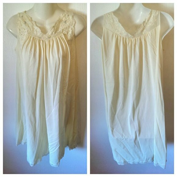 Baby doll night gown yellow floral small s Freshly washed small s **Discount when bundled** shadow line Other