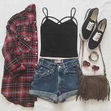 Resultado de imagem para roupas tumblr