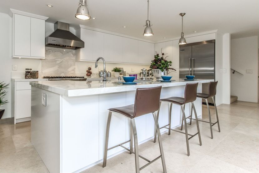Amazing Contemporary Kitchen Design Ideas and Photos - Zillow Digs on traditional home great kitchens, zillow homes with pools, zillow great mediterranean kitchen, zillow kitchen remodels, zillow small kitchens, traditional home magazine kitchens, zillow design,