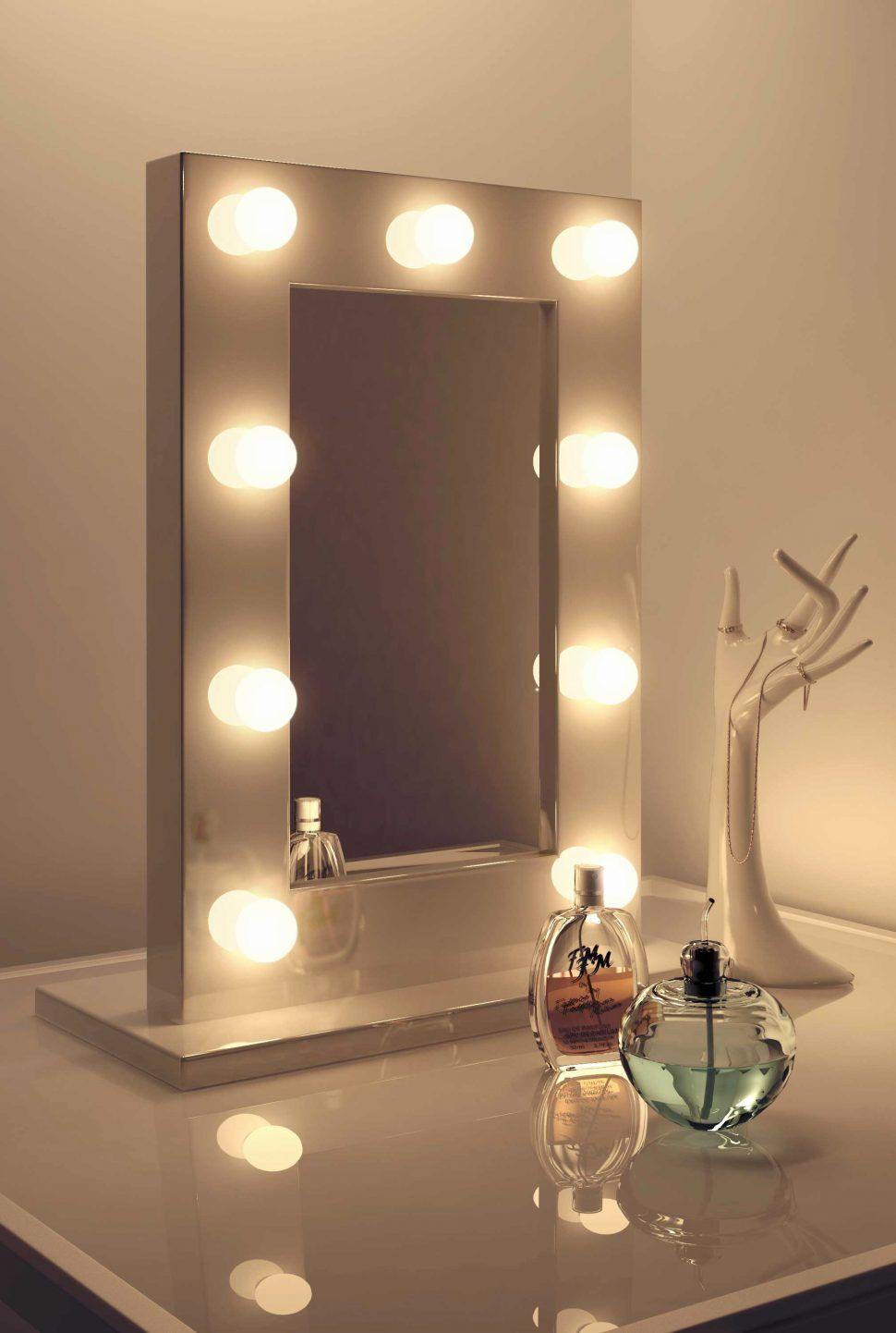 Hollywood Schminkspiegel Ein Satiniertes Glas Ein Stuck Eitelkeit Gibt Ihnen Einen Exotischen L Hollywood Schminkspiegel Schminkspiegel Beleuchteter Spiegel