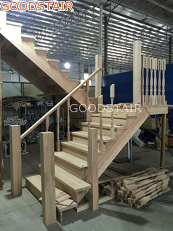 Best The Solid Wood Staircase Is Very Strong And Is Very 400 x 300