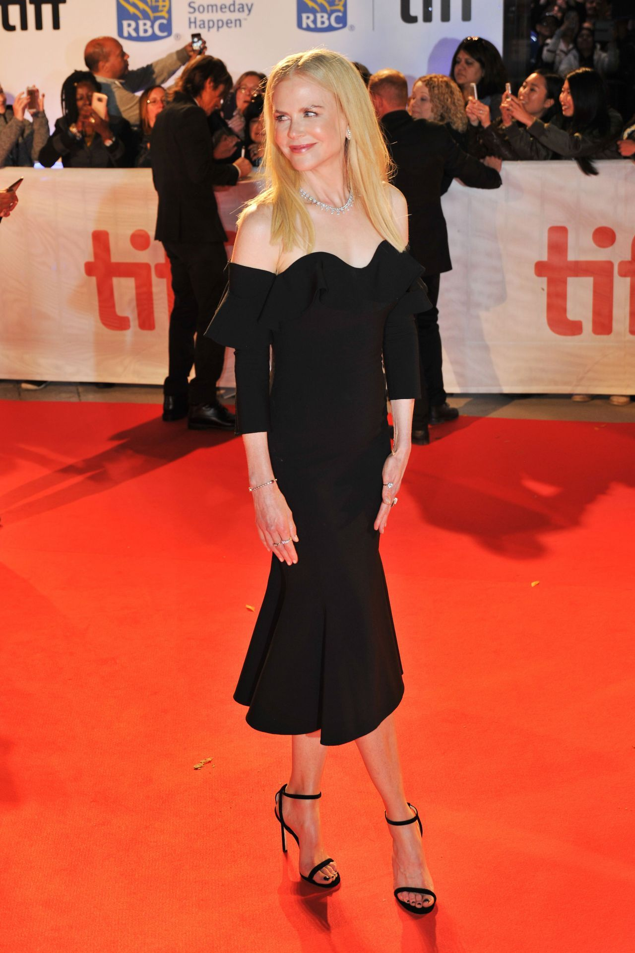 Nicole Kidman (With images) Red carpet dresses 2017