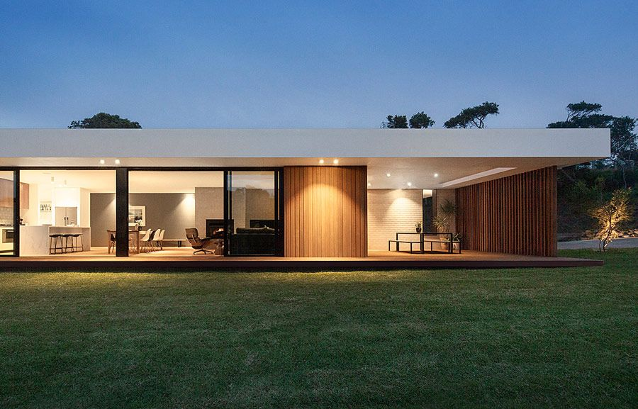 This Timber And Glass Pavilion By InForm Is A Beautiful Low Slung Sprawling Flat  Roofed Home That Any Person Who Likes Clean Modern Design Would Love.