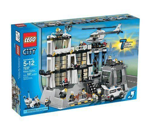 Lego City Police Station Lego Http Www Amazon Com Dp B000goag5o Ref Cm Sw R Pi Dp 8 4otb115m9ftsvg Lego City Police Station Lego Police Station Lego City