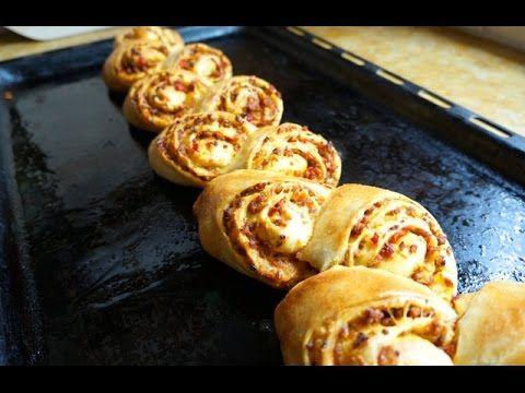 مائدة رمضان فطيرة مالحة على شكل سنبلة معجنات و مملحات Ramdan Table Wheat Shaped Stuffed Bread Egyptian Food Food Youtube Cooking