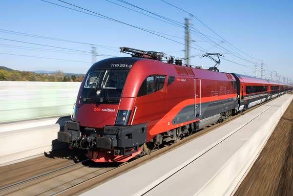 Neumarkt Der Railjet war schneller als der Storch (mit