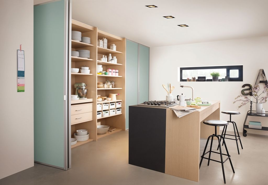 Regal mit Schiebetür abtrennen | Regal und Küche