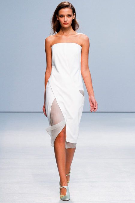 SPRING 2013 READY-TO-WEAR  Anne Valérie Hash