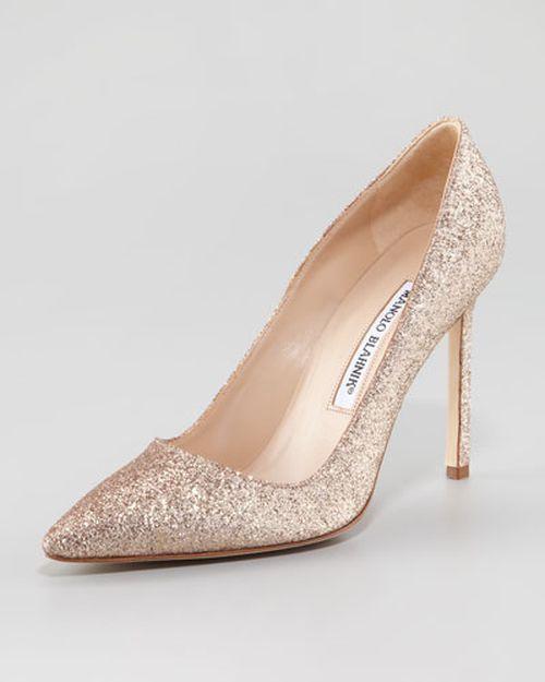Manolo Blahnik BB Nude Glitter Pumps  #wedding #shoes - on a le droit de rêver