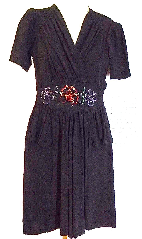 Pin von 1930s/1940s Women\'s Fashion auf 1940s Afternoon Dresses ...