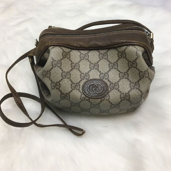56c63a46e96 HP! Authentic rare vintage Gucci barrel purse This purse was gifted to me  by my mom in the late 80 s. It was my first designer handbag   holds a lot  of ...