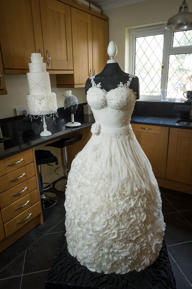 The beautiful wedding dress a bride WON\'T want to wear - can you ...