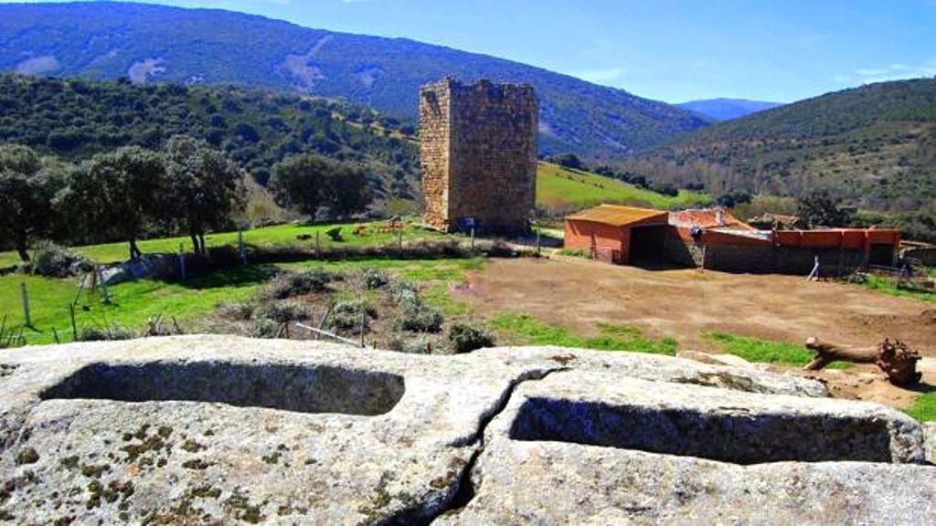 Yacimiento de Malamoneda, en Hontanar (Toledo) © Riky / http://www.abc.es/espana/castilla-la-mancha/toledo/pueblos/abci-alertan-expolio-yacimiento-malamoneda-hontanar-201606052003_noticia.html