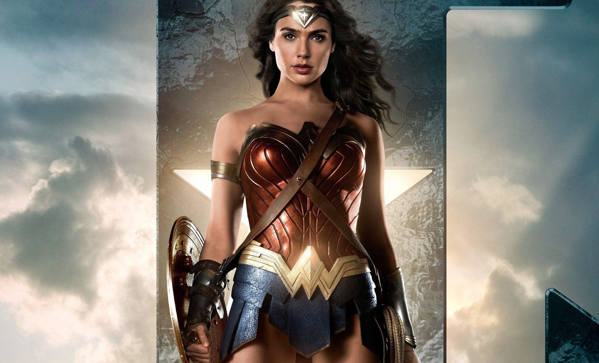 Gal Gadot Wonder Woman In Justice League Hd Wallpapers Justice League Wonder Woman Wonder Woman Movie Wonder Woman