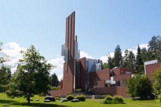 Pyhän Johanneksen kirkko - Kuopio, Suomi | DiscoveringFinland.com