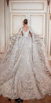 lace back with long sleeves and train ball gown wedding dress  spitze rücken mit langen