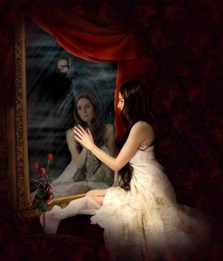 mujer viéndose al espejo | pictures que me gustan | phantom of the