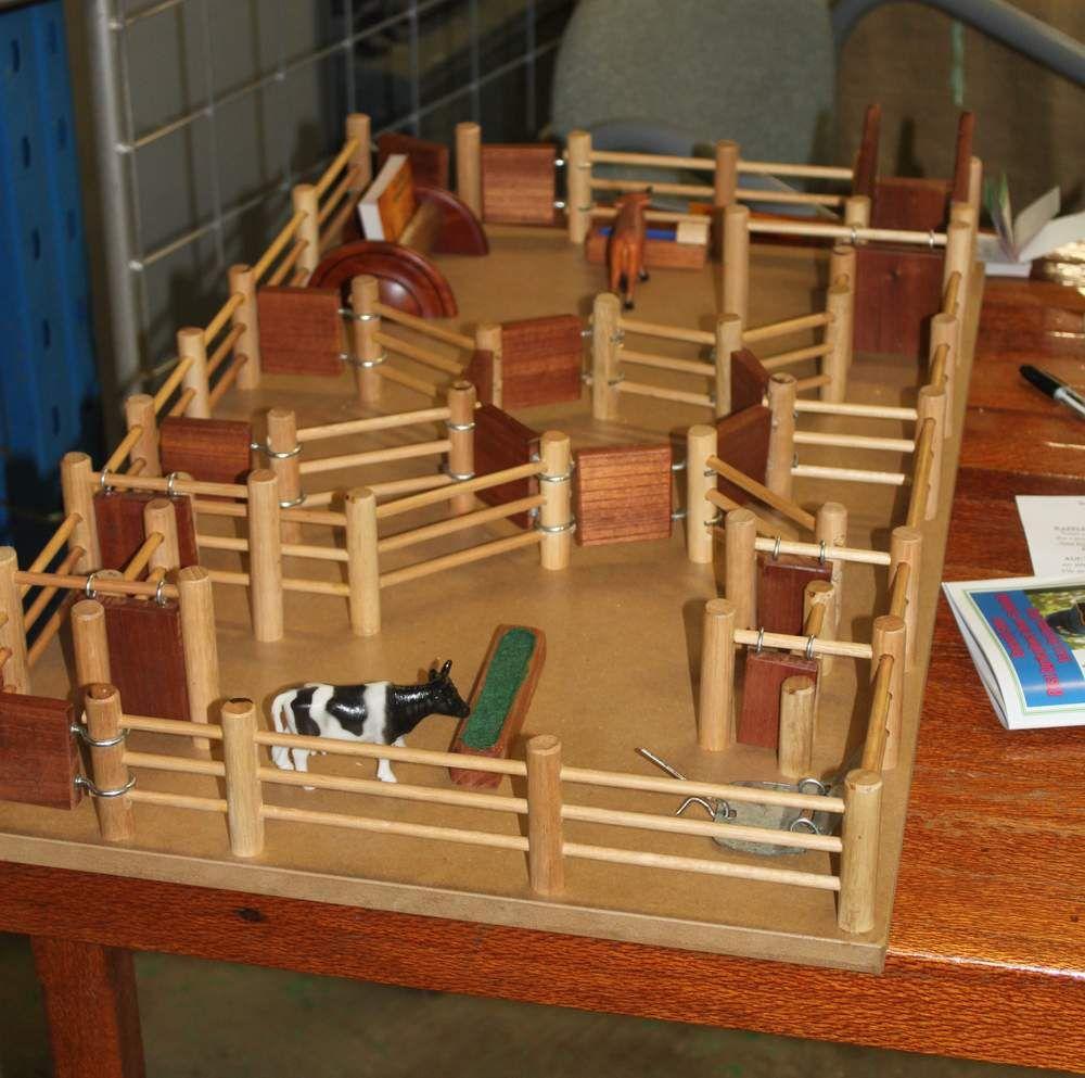 Diy Horse Corral For Preschoolers Google Search Wooden