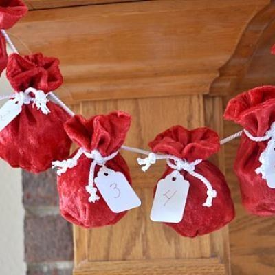 Santa Sack Advent Calendar {Christmas Countdown} Santa sack