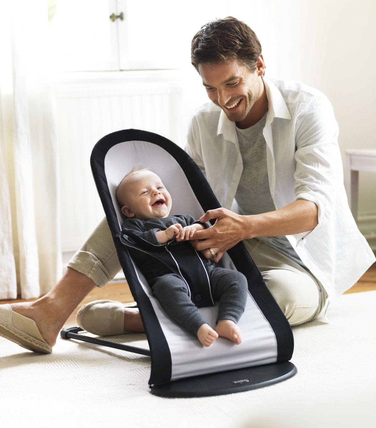 Ergonomic Bouncer With A Soft And Snug Design That Is Suitable Right From Day One Http Babyglitter Gr T Br Best Baby Bouncer Baby Bjorn Bouncer Baby Bouncer