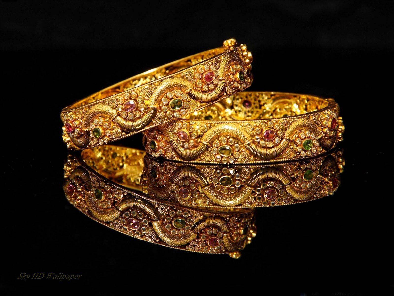 most wonderful bangle for bridal.........!  #weddingbangle #prettybridalbangle  #covaiweddingshoppers