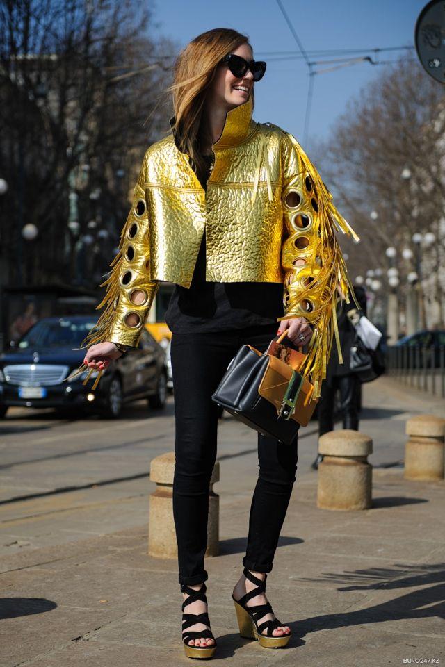 Chiara going for gold (and getting it). brilliant. Milan. #ChiaraFerragni #TheBlondeSalad #JustCavalli