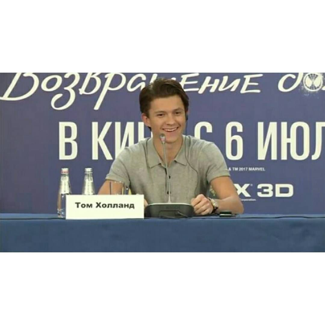 New Tom Attending The Spider Man Homecoming Press Conference Today In Moscow Russia Swipe Tom Holland Spiderman Tom Holland Spiderman Homecoming