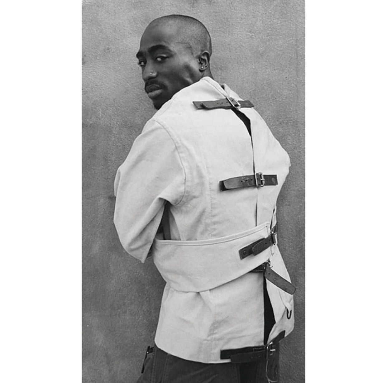 Pin by SWAVEŸ on TUPAC SHAKUR Tupac shakur, Tupac