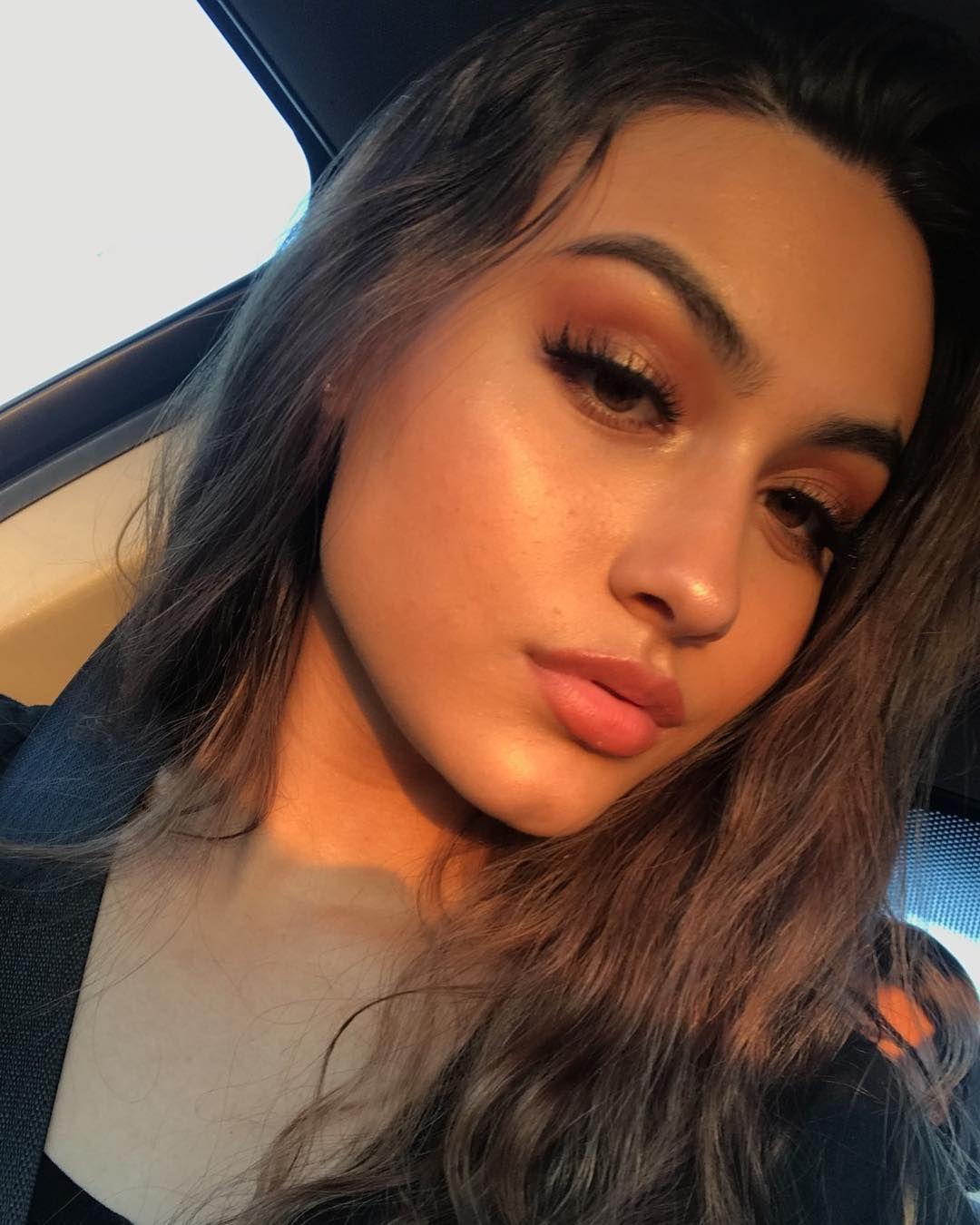 Pin by 🌺𝒥𝒶𝒹ℯ ℳ𝒶𝓉𝒽ℯ𝒶🌺 on Makeup Dewy makeup, Dewy makeup