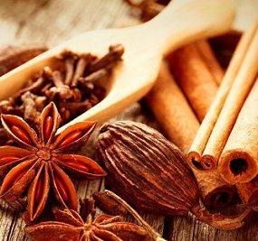 JUST SCENT CINNAMON NUTMEG AND CLOVE Fragrance Oil - A super strong, warm cinnamon and clove with hints of sweet nutmeg. Ahh, the smell of home sweet home!  The perfect blend to give you a strong scent throw.   Excellent in soy and safe for bath and body PHTHALATE FREE 185 FP - NO USPS INTERNATIONAL SHIPPING.