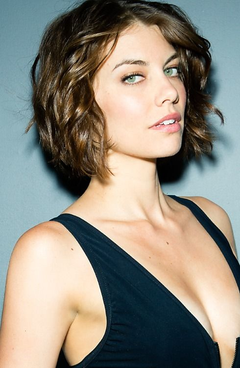 Lauren Cohan Love Her Celebrity Short Hair Celebrity Short Haircuts Chin Length Hair