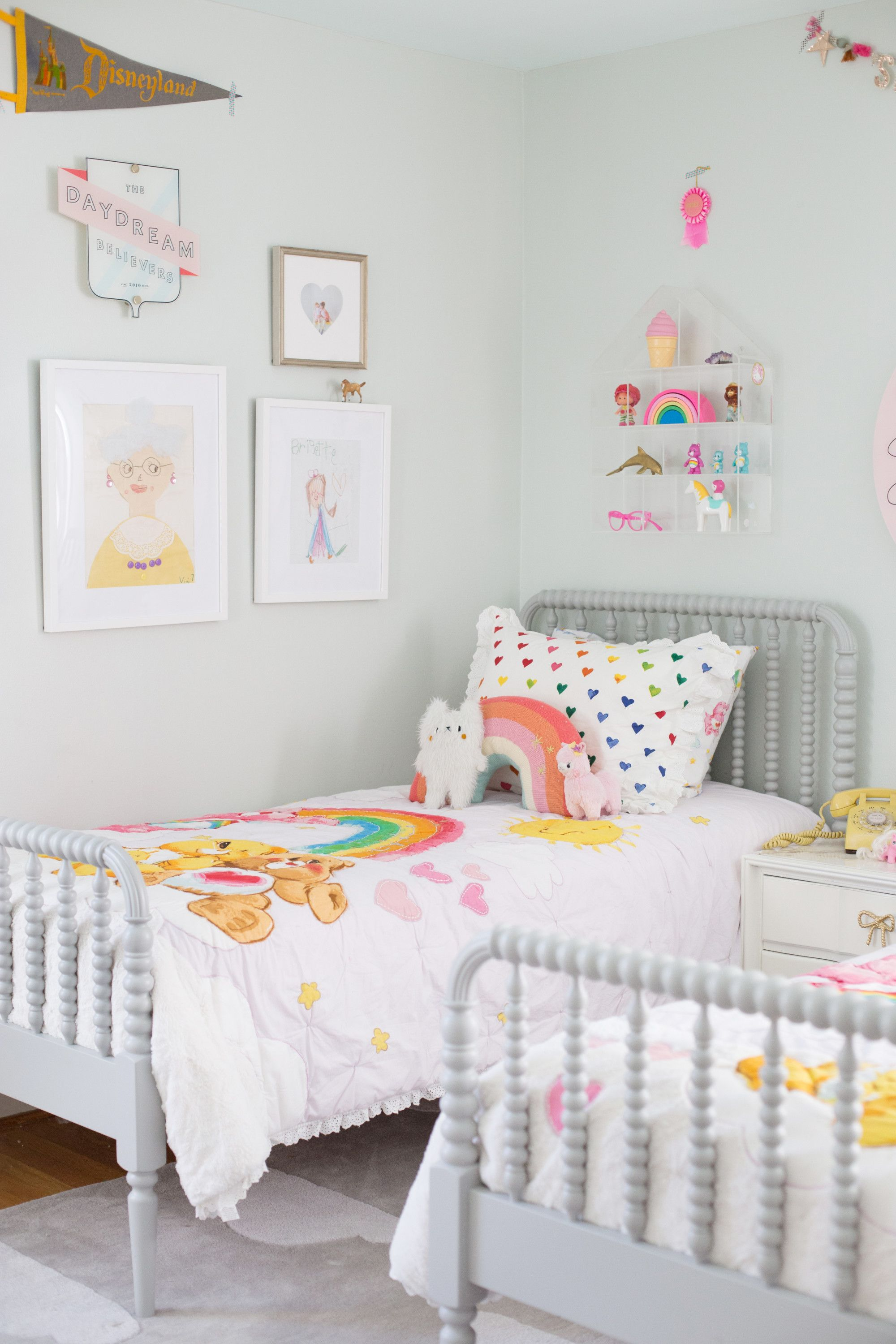 Shared Room Ideas For Three Girls  Deco chambre enfant, Idée
