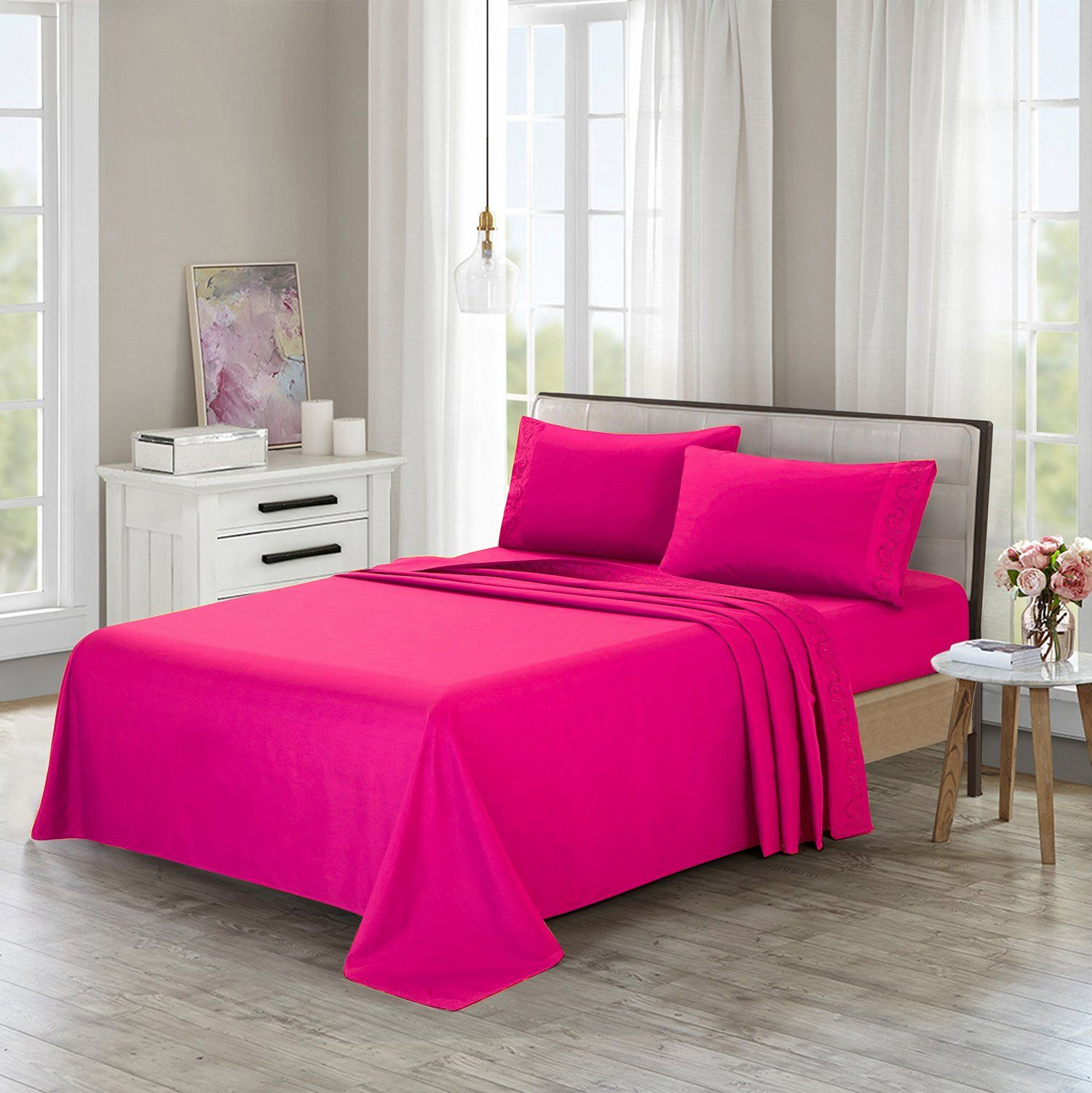 HollyHOME Microfiber Bed Sheet Set with Embroidered