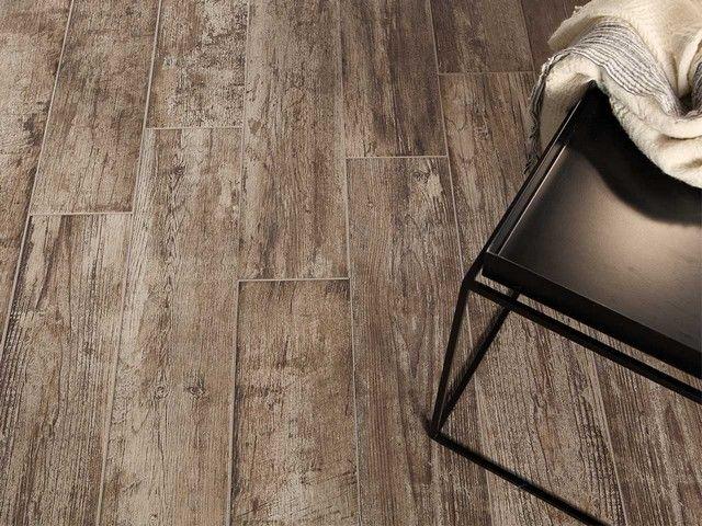 Pavimento in gres porcellanato serie nevis superficie effetto legno molto invecchiato con - Mobili effetto invecchiato ...