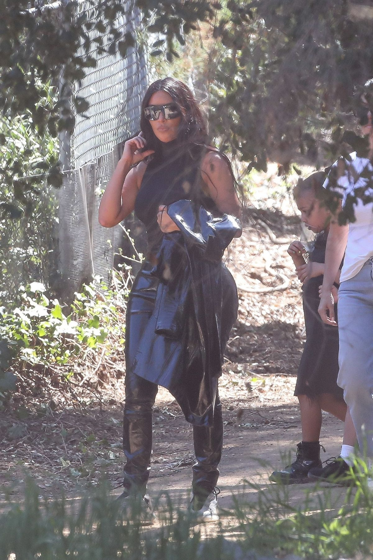 Kim Kardashian Leaving Kanye West S Church Service With Her Daughter Kim Kardashian Style Kim Kardashian Kardashian Style