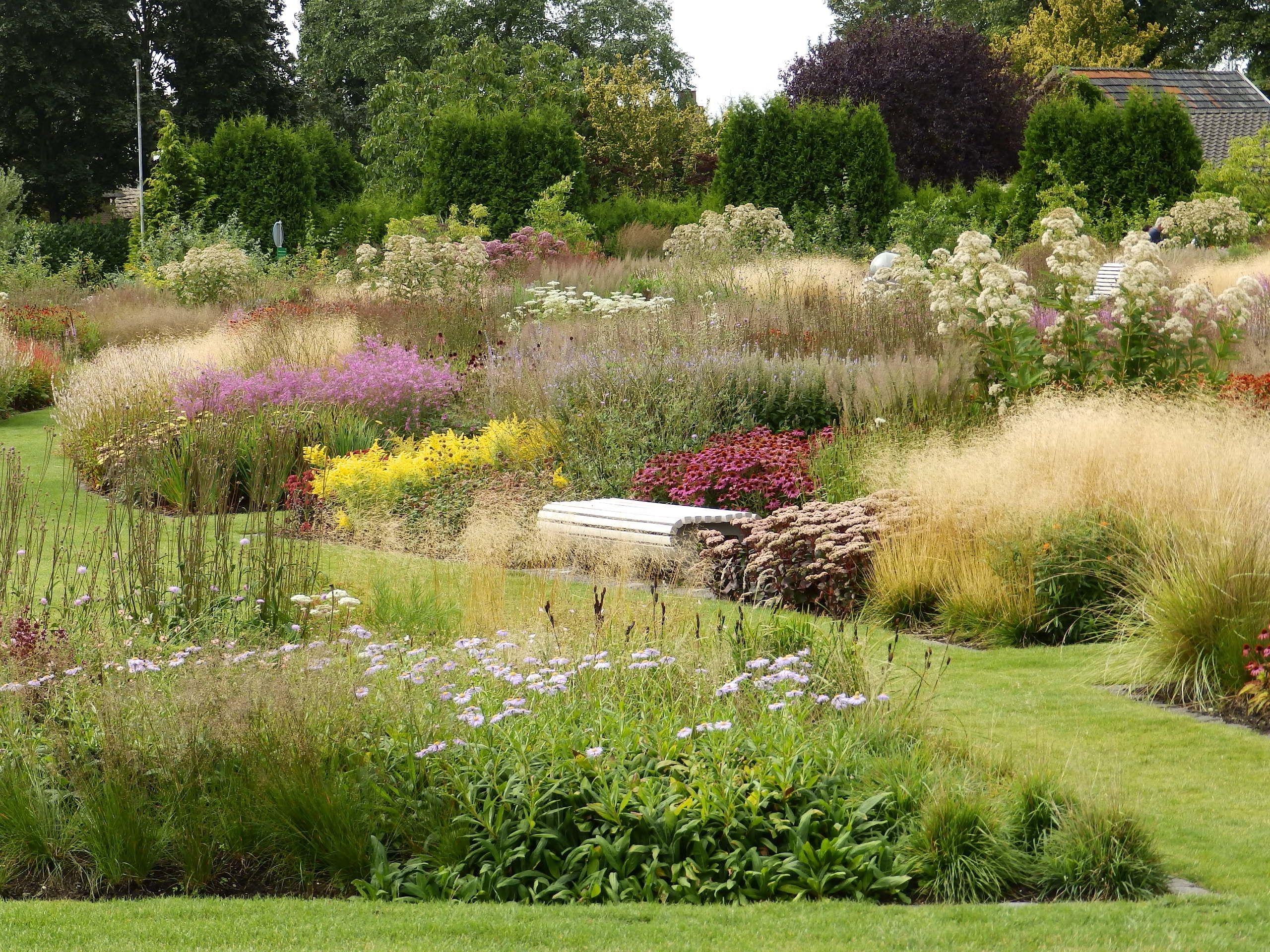 Vlinderhof maximapark ontwerper piet oudolf garden for Piet oudolf pflanzplan