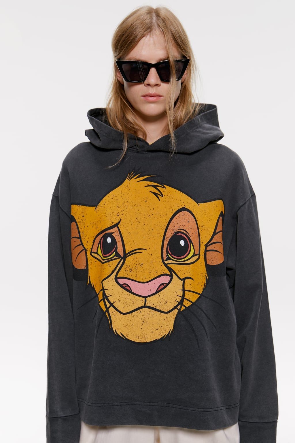 The Lion King C Disney Hoodie New In Woman Zara Australia In 2020 Lion King Clothes Sweatshirts Disney Hoodies