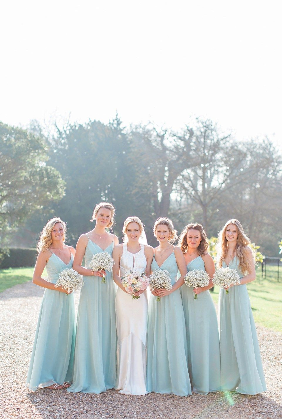 Amanda Wakely Elegance And Pastel Blooms For A Springtime Country ...