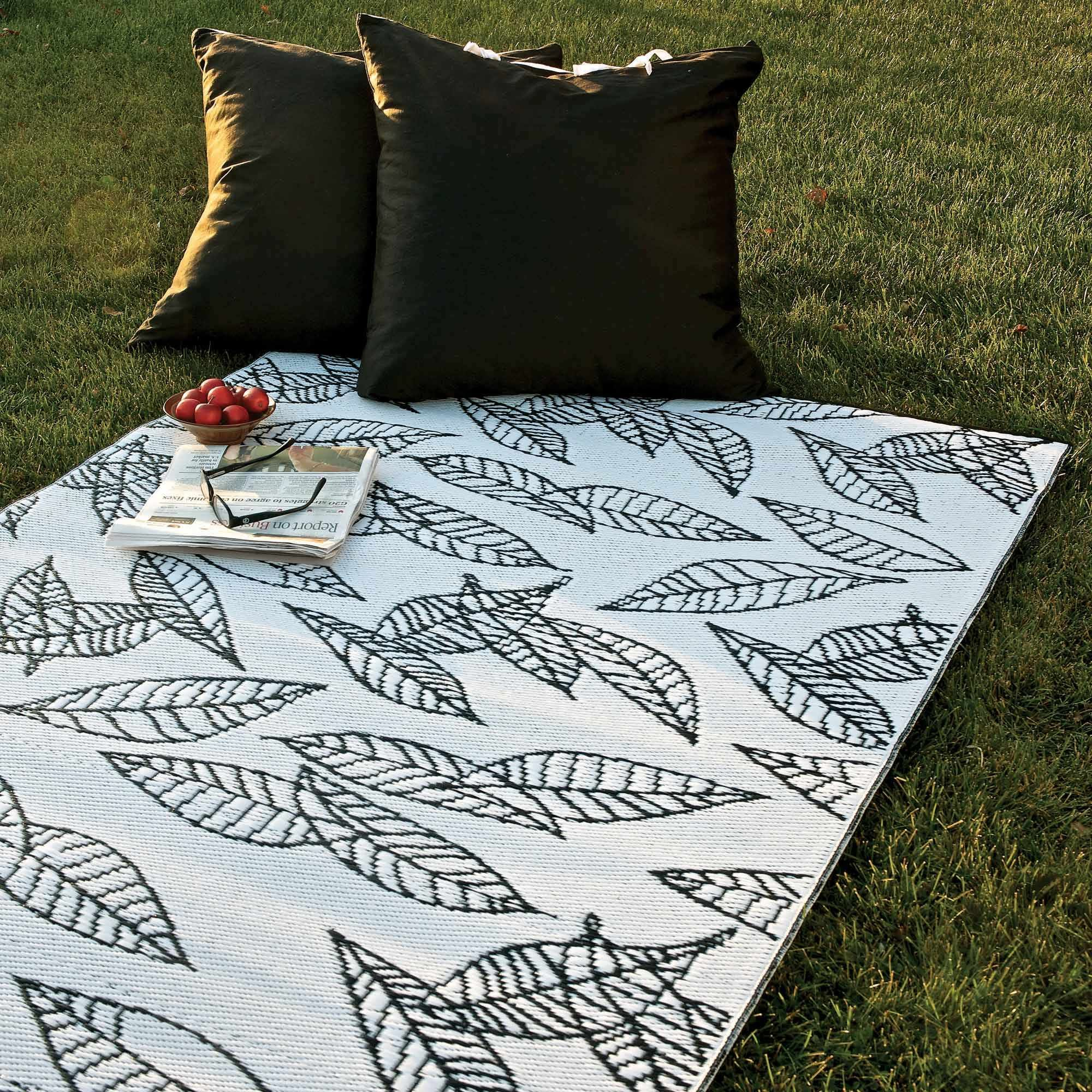 Portrait Of Recycled Plastic Outdoor Rugs Environmentally Friendly Choice