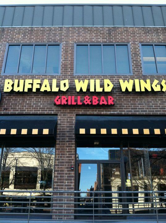 buffalo wild wings cedar rapids iowa