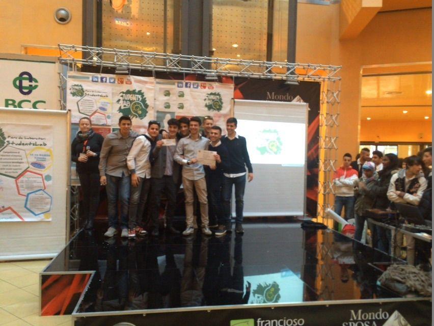 """Il laboratorio .tech Teens Solar Innovation spa - istituto """"Galilei"""" di Lamezia Terme - si guadagna l'accesso alla fiera regionale"""