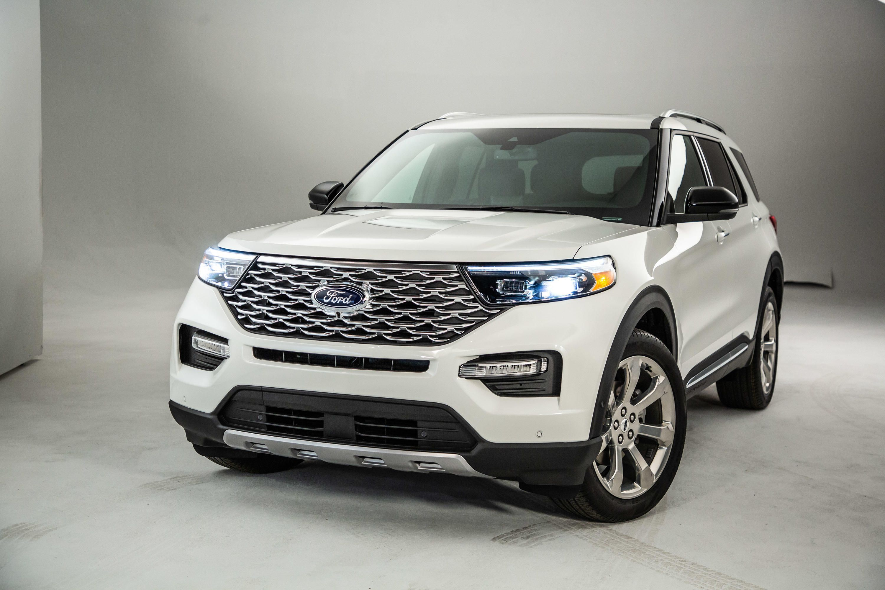 2020 Ford Explorer How It Stacks Up To The Chevy Traverse Honda Pilot Kia Sorento And Toyota Highlander 2020 Ford Explorer Ford Explorer Ford Explorer Sport