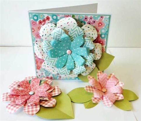 American Crafts We R Memory Keepers Flower Punch Board