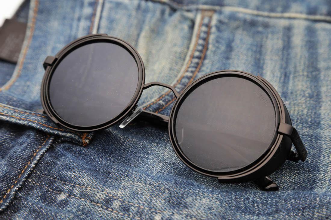 6fa64c7c03253 Óculos De Sol - THE TARANTINO   Óculos De Sol Retrô Redondo Steampunk Com  Proteção Lateral