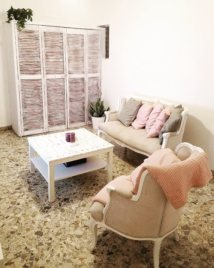 Lola On Instagram S A B A D O My Day Usually Dedicated To Diy Projects And So On I C In 2020 Shutters Repurposed Decor Shabby Chic Decor Diy Repurposed Headboard