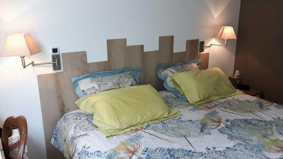 Tête de lit maison ( restés de parquet )
