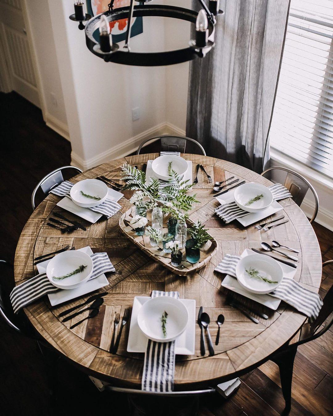 Runder Esstisch Grindleburg   Round dining room table, Round ...